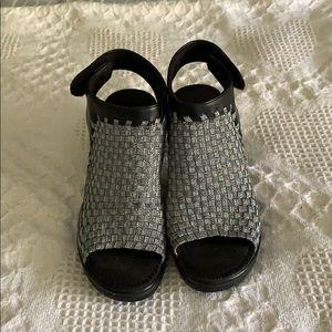 Steve madden EZZME Sandals size 6 1/2
